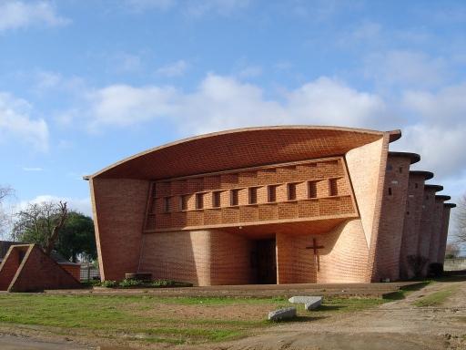 Iglesia Cristo Obrero. Foto Emilene Miossi
