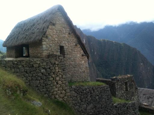 A casa do guardião, início da trilha